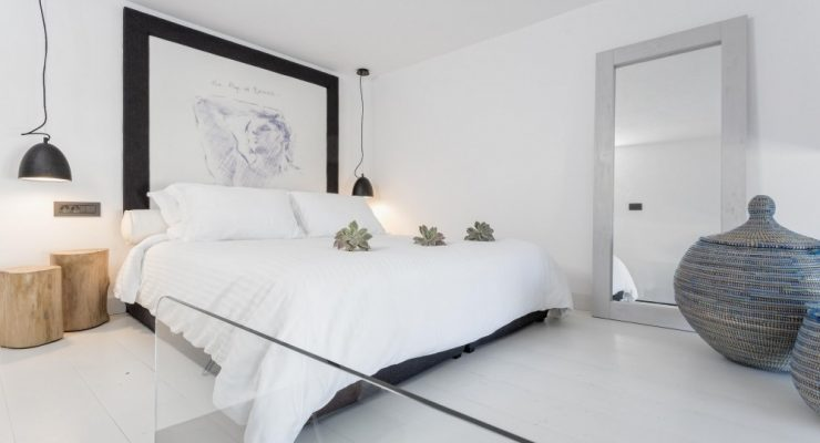 How a Headboard Design makes a Statement in a Hotel's Suite!