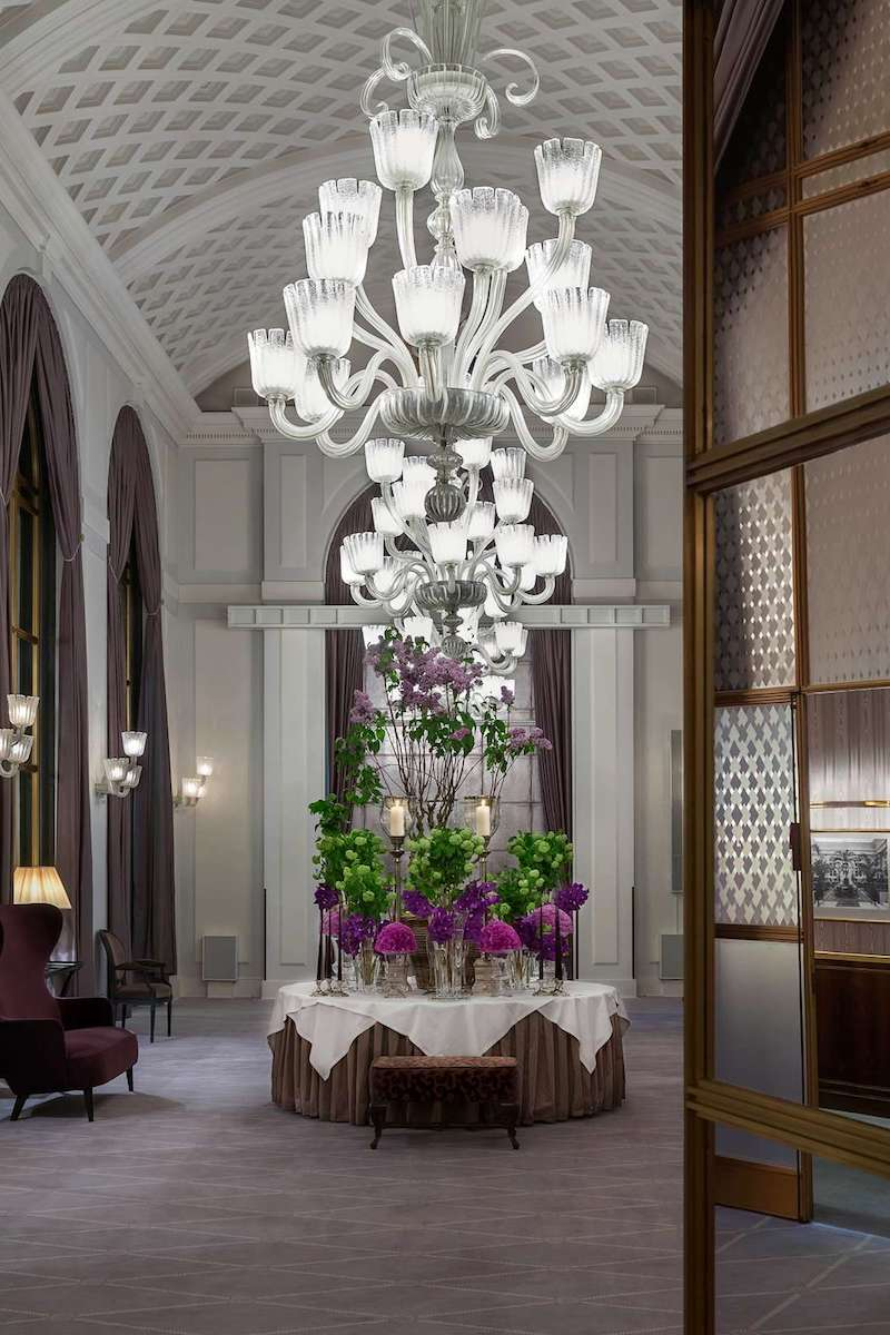 Hotel Foyer Flower Arrangements : A hotel story that revolves around flower creations inspires