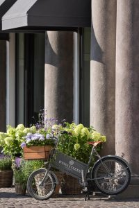 D'Angleterre flower creation bike