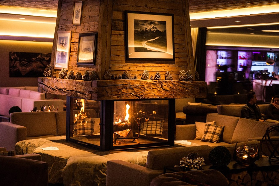Hotelier Academy | Τhe Rougemont | Hotel Fireplaces