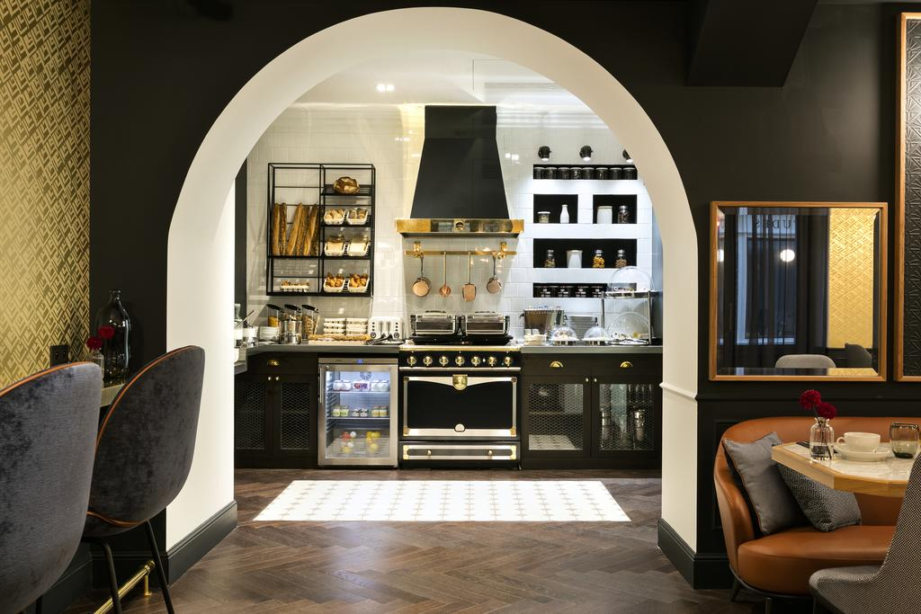 Unique Interior Design Lessons From A Fascinating Hotel In Paris