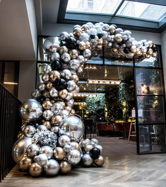 Hotel Christmas Decoration How To Make Your Property Stand Out During The Holiday Season